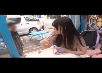 【マジックミラー号】めちゃくちゃ清楚系でかわいい黒髪ロングヘアロリロリ小柄ロリパイパン貧乳美少女連れ込み激しく手マンバック正常位ガン突きしたったwww