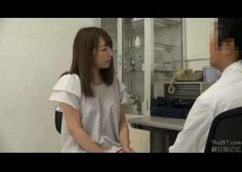 【人妻レイプ】診察台の上で犯された奥さんが寝取られ生ハメ生中出しレイプで犯される様子を盗撮