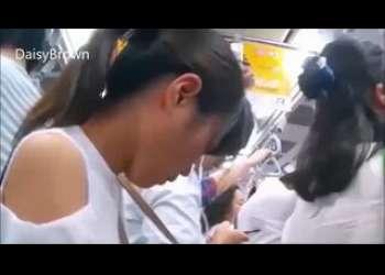 【痴漢レイプ】素人JC風で超かわいい女の子を見つけたロリコンがセクハラ痴漢しながら盗撮する個人撮影