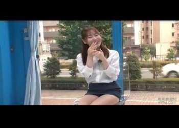 【マジックミラー号】スレンダー美脚巨乳、篠田ゆうがナンパ連れ込みされOLタイトスカート姿で電マ責め立ちバック!