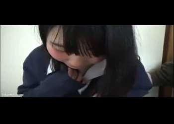 ドロリ貧乳美少女JKとの援交パパ活素人ハメ撮りセックスが流出しちゃった見た目清楚系なのにロリビッチな萌え袖女子