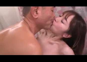 スレンダー巨乳美脚美人妻、篠田ゆうの寝取られセックスラブラブベロチュー不倫正常位騎乗位