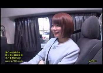 超特級激かわ美少女、伊東ちなみちゃんがどこでもエッチしまくっちゃうショートカットヘア天使とのベロチュー立ちバック!