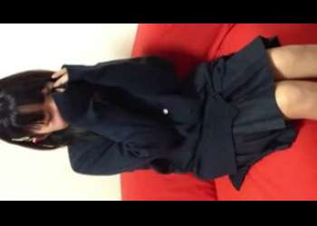 【神ロリ】素人JCっぽい制服姿の貧乳女の子にフェラ抜きさせてるヤバイやつすぎる個人撮影素人ハメ撮りリベンジポルノ流出