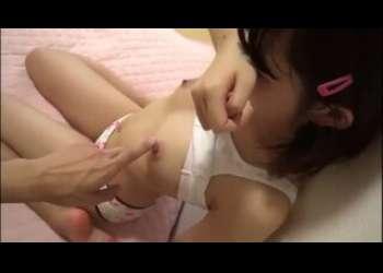 【ガチロリ】マジで幼い素人JCっぽいロリパンツ貧乳美少女に手コキ個人撮影素人ハメ撮りリベンジポルノ流出