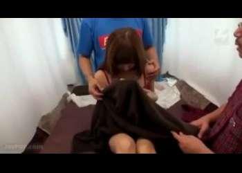 素人ナンパで連れ込んだお姉さんやギャルちゃんが乳首舐め手マンされて感じちゃう姿がめっちゃエッチな姿に興奮しまくり勃起