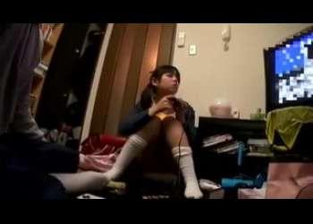 【ロリレイプ】JS風な小さい女の子に襲いかかる!パンチラに興奮してレイプしまくるド変態ロリコン