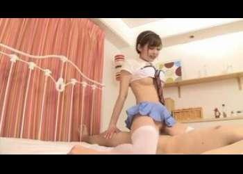 激かわすぎる超特級美少女がJK激ミニスカートコスプレニーハイ姿で最高の騎乗位正常位バイブオナニーしちゃうんです!石原莉奈!