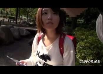 ランドセル背負った可愛いショートカットヘア美少女JS風ロリっ子を無理やりレイプしてる小柄パイパン好きロリコン