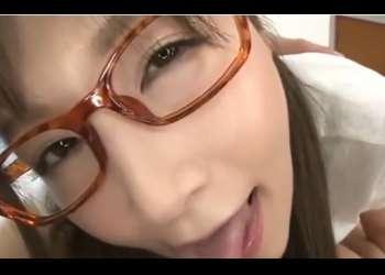 ♡30代には見えない眼鏡美人のツインテール美女佐々木あき♡淫語責めでフル勃起のチンポを攻撃して精子を搾り取る