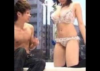 【MM号/巨乳】ニーハイ爆乳JDがお金につられて勃起した男友達のチ○ポにまたがり必死で腰を振りまくり!