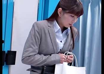 【MM号(^^♪】スーツ姿が素敵なOL一年生のお姉さん♡母性本能を丸出しでチェリー君を優しく大人にしちゃうょwwww
