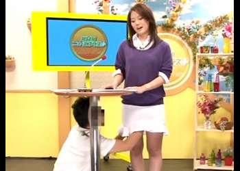衝撃『放送事故』美脚のニュースキャスターが放送中にヤバイやつスタッフの汚いザーメンで汚されちまったぁ~wwwww