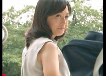 『安野由美(^^♪』だめぇぇ~~~~!蒸し暑い教室で振りまく美人先生の大人の色気が教え子の肉棒を暴走させちまったぁ~wwwwww