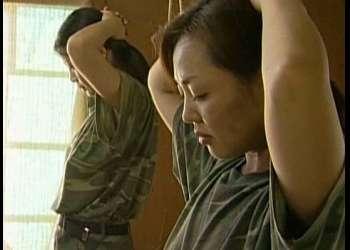 捕らわれたらもはや地獄…拘束され好き放題にハメられる女兵士!