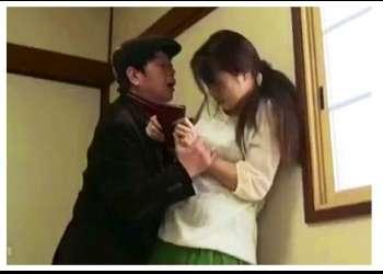 【ヘンリー塚本】これは危ない新妻くずし!発情した叔父がデカチンを勃起させて襲って来ます。