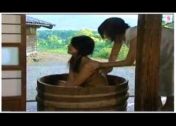 【ヘンリー塚本】これはやばい昭和の田舎の農家!背徳お母さんが愛人と納屋でセックスします。