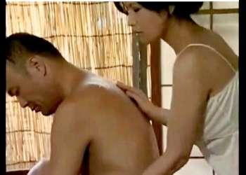 【ヘンリー塚本】本当にすごい昭和の民家の性生活!昼間からデカパイ奥さまがヤリまくりです!