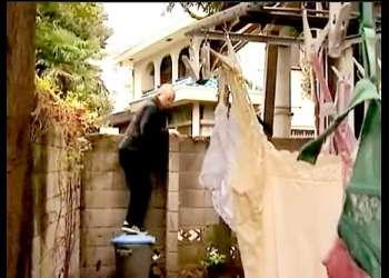【ヘンリー塚本】息子が変態すぎる下着マニアで困っているお母さん!襲ってきてヤリまくりです!