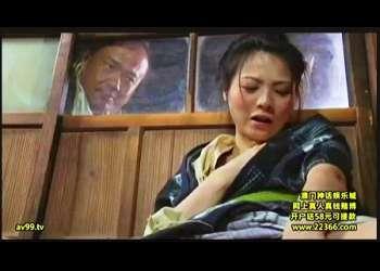 【ヘンリー塚本】本当に猥褻な昭和の農家です!納屋でオナニーしてた熟女を村人が発見します。