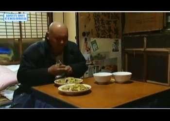 【桐島秋子+ミートボール吉野】本当に猥褻な食堂の夫婦の官能ドラマ!ご飯を食うのももどかしくセックスしてます。