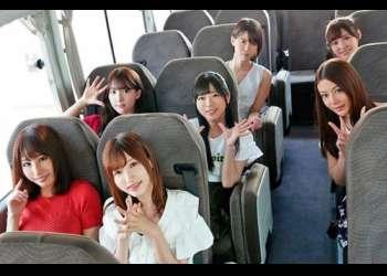 《S1周年凄テク》S1周年バスツアーで美人痴女達からの超豪華レア凄テク!巨乳美女達とSEXでするため激責めに耐えるファン達!