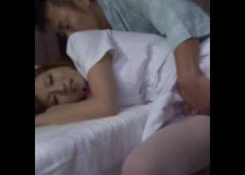 白衣の天使が居眠り…!?襲ったらビッチ化!?欲求不満な淫乱巨大巨乳巨乳美女を美味しく頂いちゃいましたww