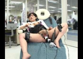 【SOD女子従業員×SOD性科学ラボ】10万回転のおもちゃで発狂寸前☆いきまくり絶叫!漏らしまくり悶絶の徹底検証ww