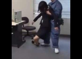 【強姦】休日出勤生の美女OLをクスリで眠らせ襲うドS清掃員!スーツを半分だけ脱がせて無茶苦茶チンぶち込み昏睡辱しめ!