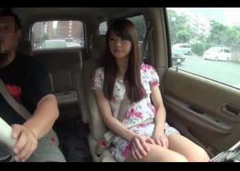 車の中でセンズリを見せたら!「エッチな汁でてますよ♡」運転中にチ●コさわる美人おねえさんがフェラしてくれた!
