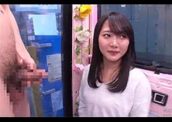 「マジックミラー便」お嬢様大学に通う激カワ女子大生が初めてのイラマチオにお股ぐっしょり顔射SEX