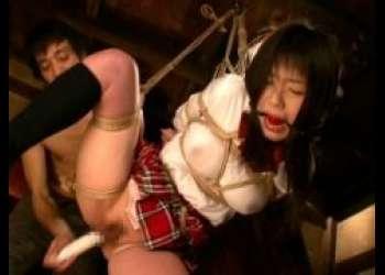 つぼみ 縛られたがる女子校生が宙吊りにされマンコを犯される動画