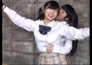 天音遥香 女子校生がレズの友人に拘束されてくすぐり責めに涙目になっちゃう動画