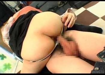 素股でザーメン発射!品のある素人お嬢さん騎乗位でお尻丸出しの下半身にチ○ポ挿入♡そのまま思い切り膣内で射精させてもらう!!