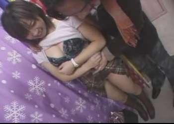 素人生ドル4 ごく普通の素人お嬢さんプリクラの中で脱がされ全裸でフェラ♥ずるずると立ちバックでもハメられちゃった巨乳ちゃん!