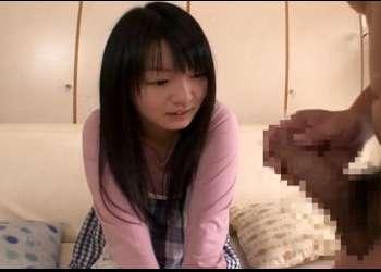 センズリ鑑賞するロリかわな素人娘♡間近で見る勃起チ○ポに発情がとまらず裸になって素股からのチンチン挿入!!