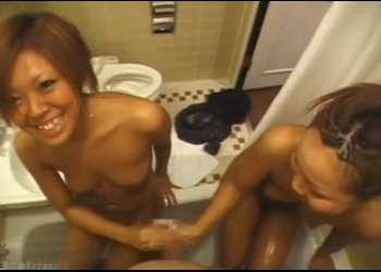 素人生ドル36 ギャル2人組ならんで全裸ポーズ!一緒にお風呂で手コキ「ちょっと!出したでしょ(精子)」