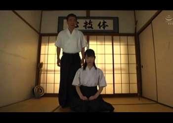 【藤江史帆】弓道の部活少女!美人すぎてこれはやばいですね!