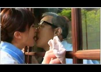 【黒木小夜子+日比野達郎+宮崎由麻+吉村文孝】これはエロいねちっこいSEX接吻!見るからに猥褻なボイン家政婦が御主人様とできてました。