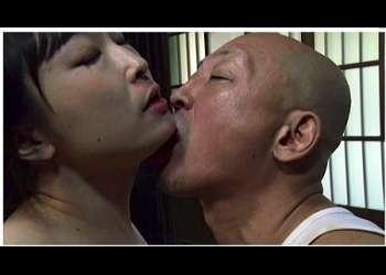 【ヘンリー塚本+熟女+染島貢】山の中の絶倫な庄屋のおっさん!後妻をもらって家族中とヤリまくりです【後妻+夫】