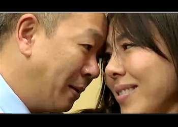 【三咲恭子】旦那とセックスレスになったので欲求不満な奥さま!コンビニの面接に来てサクッと店長に寝取られます。