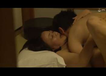 【熟女】綺麗なご婦人と一泊二日の温泉旅行!二人で仲良く湯に浸かった後は和室でしっぽりお楽しみタイム!