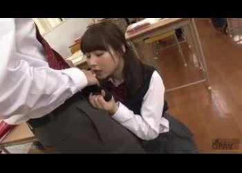 【彩城ゆりな】激かわツインテール美少女JKが学校教室ベロチューフェラ抜きパンチラしてるエッチなJK