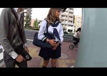 学校教室JKセックスしまくったり黒ギャルJKAIKA制服姿でローター散歩したり痴女りまくりエロすぎる