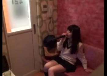 【個撮】素人JK自撮りオナニーしまくってるめちゃくちゃエッチなカラオケルームえちえちすぎる個人撮影