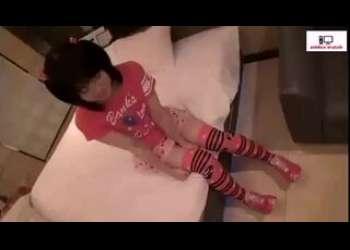 超幼いJC風の子供服ニーハイロリ少女にエッチな調教ハメ撮りしてる小柄ロリパイパン貧乳撮影