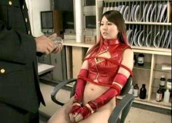 辰巳ゆい サイボーグ女戦士のヒロインが拘束されワキ舐めされ辱められる