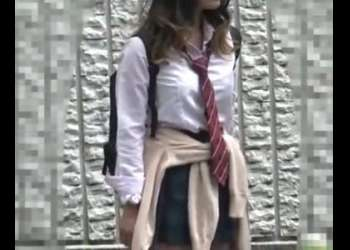 ※顔出し制服JK※ミニスカ美少女ギャル女子校生のワレメをめちゃくちゃ弄るガチ痴漢!