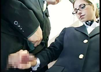 【企画】白人の激カワ客室乗務員(CA)にフル勃起した肉棒を見せつけてみた結果・・・唾液をローション代わりにしてチンポをシコシコする手コキ抜き!
