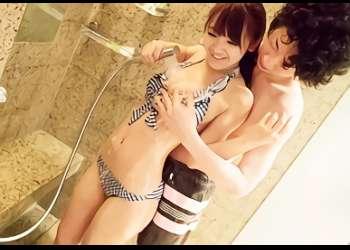 プールで遊んだあとは涼しいラブホに直行、ビキニ姿の美少女とイチャラブセックス!